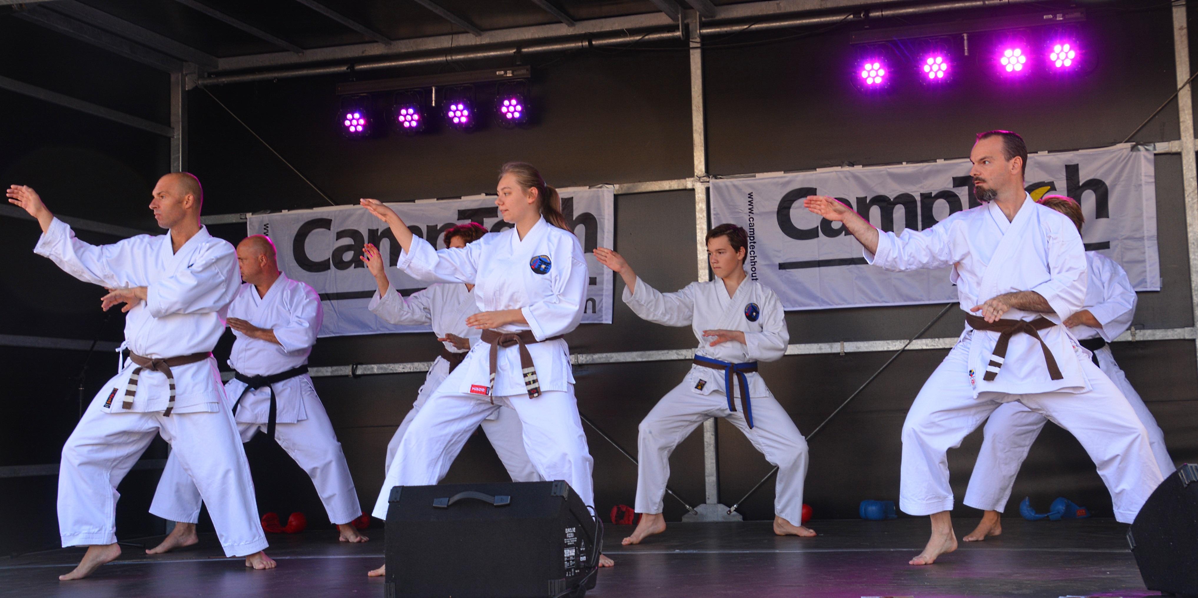 Atarashii-demo in Houten: een impressie